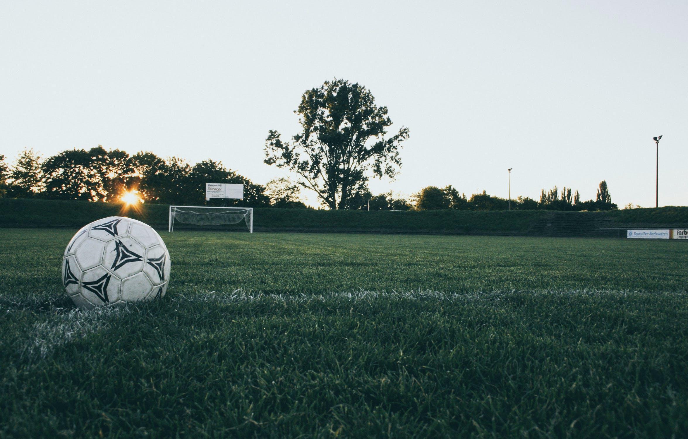 Pallone calcio campo immaginazione