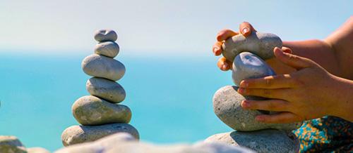 Pebble wallpaper sea